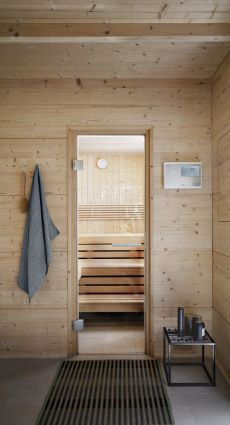 sauna zu hause. Black Bedroom Furniture Sets. Home Design Ideas