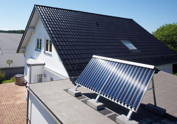 Solarthermie Anlage Auf Dem Flachdach (aufgeständert)