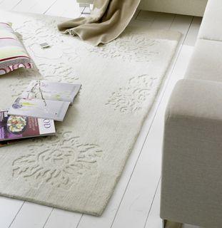 nachhaltige m bel zartes blumenrelief. Black Bedroom Furniture Sets. Home Design Ideas