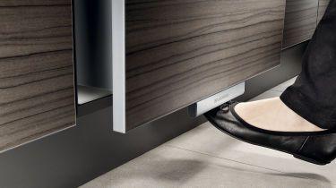 sortiert und entsorgt m lltrennen in der k che. Black Bedroom Furniture Sets. Home Design Ideas