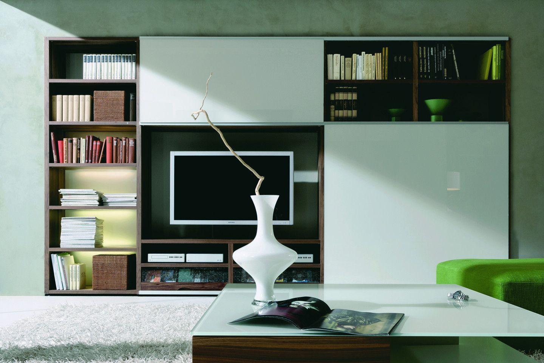 Wohnzimmer-Schrankwand in moderner Form - bauemotion.de